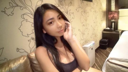 日本人離れしたエキゾチックな21歳の女子大学生!