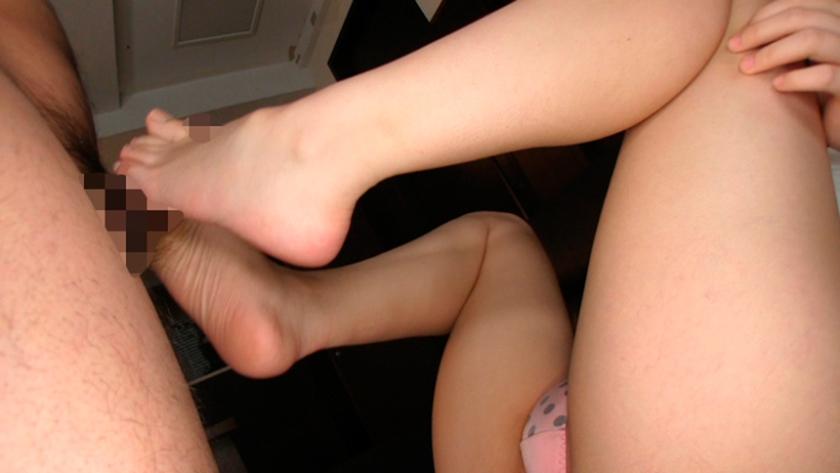ぼくは脚の虜 その脚を舐めさせて!その脚でイカせて! まなかかな 中川絢音 寺川麻衣 藍原あおい 陽菜なつ の画像16