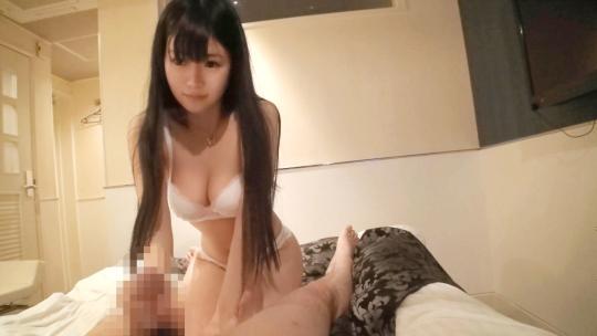 Fカップの関西弁アイドルは週5のオナニーするエロエロまゆちゃん!