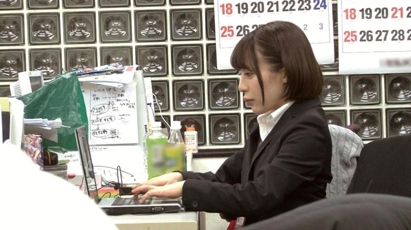 SOD女子社員 宣伝部入社5年目 マジかん広報 望月りさ(24) 平日社内こっそり激ピストンッ!バレないようにと必死に我慢!それでも気持ち良くて小さな身体がめちゃイキ の画像9