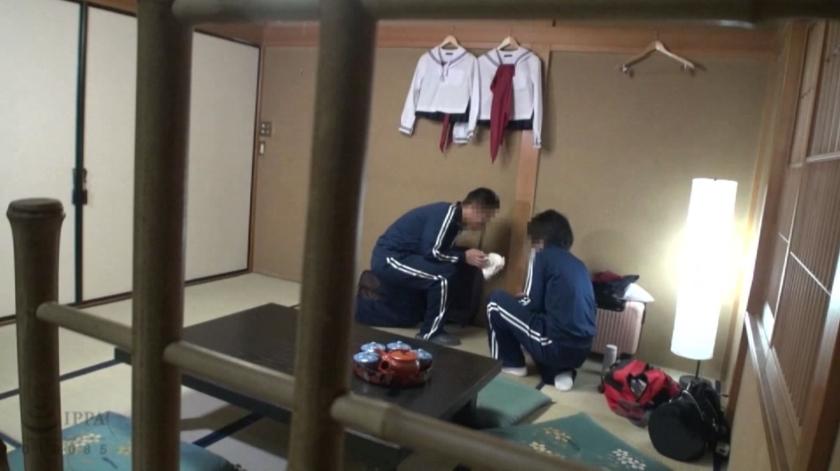 修学旅行先で女子○生を睡眠薬で眠らせ猥褻行為を繰り返す同級生の流出映像のサンプル画像3