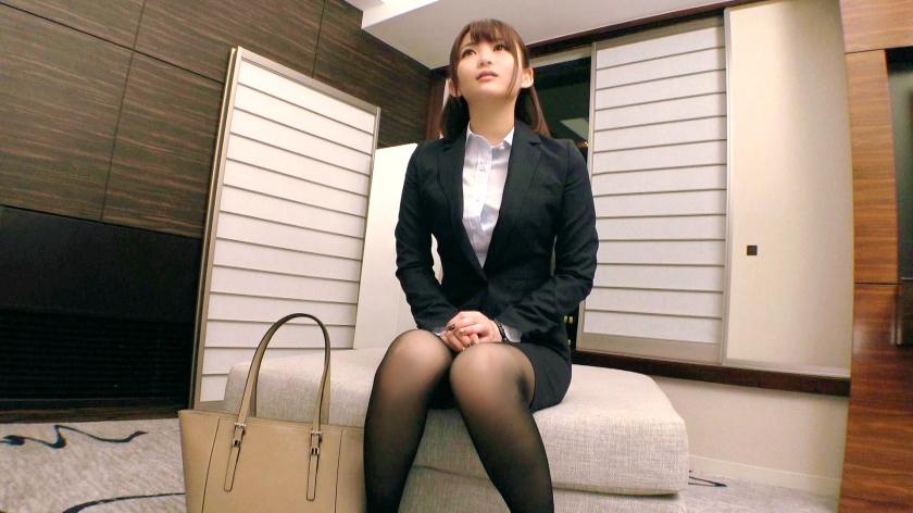 【美人保険外交員】24歳【犯されたい願望】るいちゃん参上!仕事帰りでスーツを着たままやって来た彼女の応募理由は『私、、、犯され願望があるんです…』彼氏のSEXがノーマルで性癖を打ち明けられなくAV出演!綺麗な一般女性と思いきや【強烈に変態】だった!犯されたいのは身も心も。。。そしてアナルも!とんでもない保険外交員が現れた!実は仕事着のまま複数の男に犯されたい変態会社員!【2ケツ+串刺し】は必見!シリーズ史上最高に変態な逸材が現れる!見逃すべからず! 7