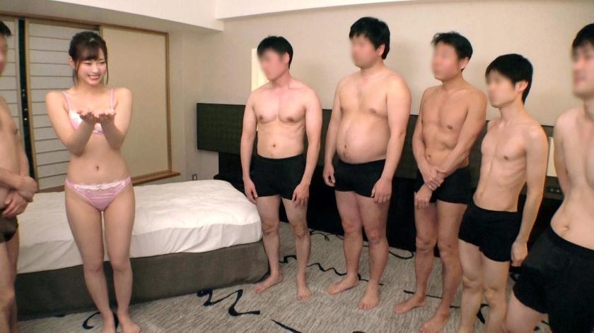 え?なんですか、この状況www超絶美少女が複数の男性に囲まれ濃厚SEX!