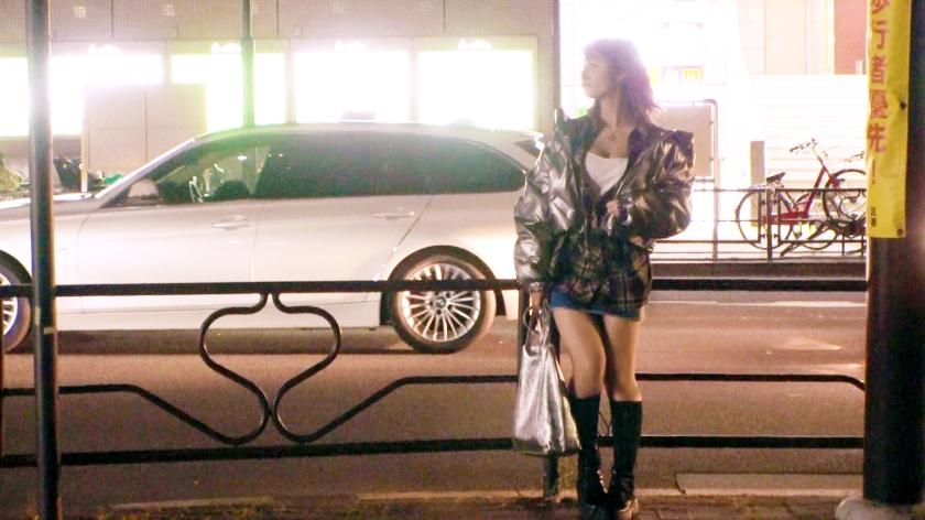 【歴代最高な逸材】22歳【純粋なビッチ娘】あかねちゃん参上!美容師をしている彼女の応募理由は『とにかくエッチが好きなんです♪』真冬に生足&胸元ガバ空き!露骨な誘惑をしてくる変態娘!我慢できず【車でオナニー】チンチン嬉しくて【大量の嬉ション】純粋にエッチが好き過ぎる女のド変態SEX絶対に見逃すな!のサンプル画像2