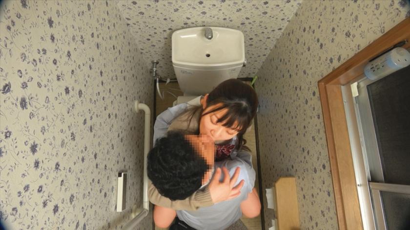 女子○生 トイレSEX盗撮 2のサンプル画像10