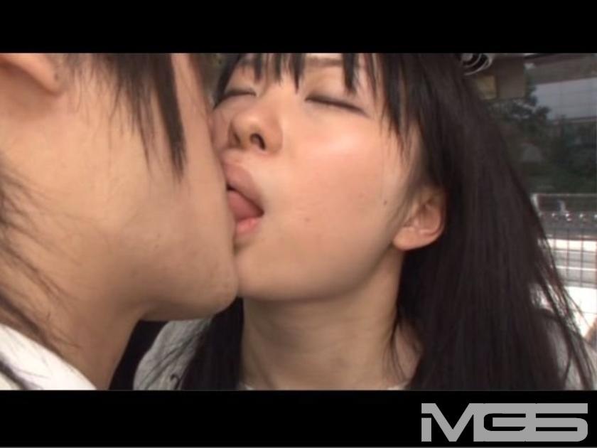 「DANDY鉄板ワザSPECIAL キスまで3cm 女子大生だらけの路線バスで吐息がかかるほど密着!さらに尻と股間にチ○ポを擦りつけ発情させてヤる」 VOL.1 の画像9