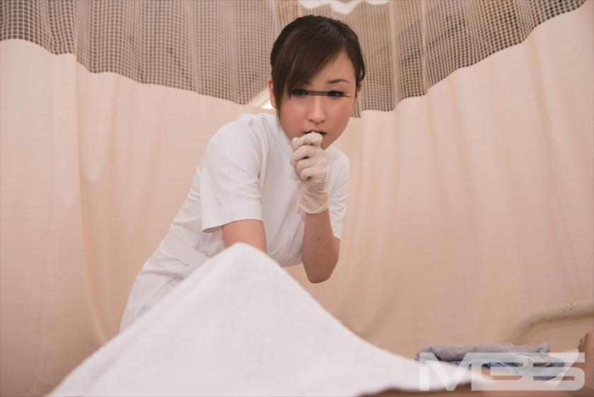 「まさか入院中の担当看護師が妹だった! しかも勃起した禁欲チ○ポを見られてしまうなんて・・・ だけど『妹のお前にしか頼めないよ』」VOL.2 の画像3