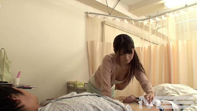 「お見舞いに来てくれた姉の無防備な透け乳と胸チラで勃起したら『看護師さんに迷惑かけるくらいなら・・・』と優しくエッチまでしてくれた」VOL.1 の画像3