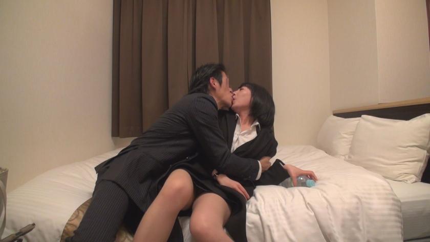 平岡さん 女教師 38歳