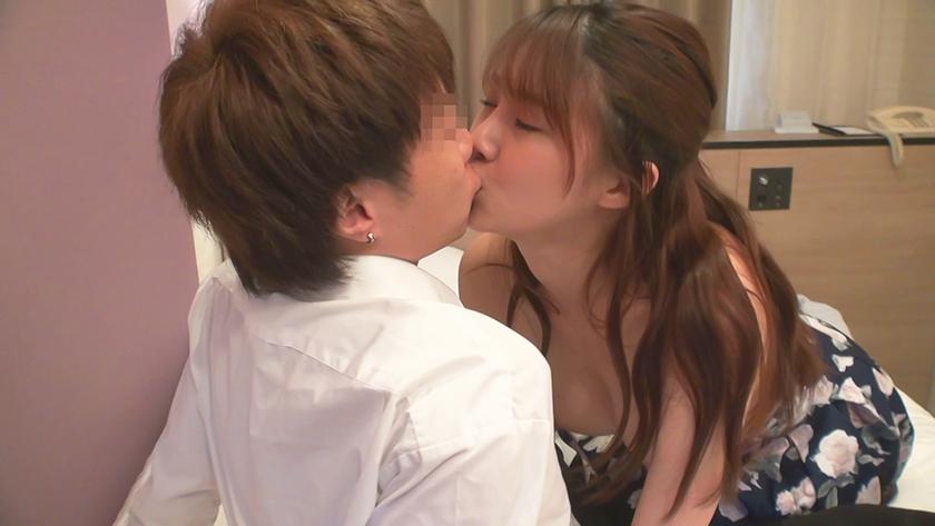 スタイル抜群GカップJD キスと密着体位が大好きで中出し&顔射精の生チンSEX2回1