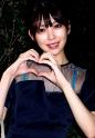 森日向子 - 初めてのWフェラに大興奮!清楚系女子大生 感度抜群なちっぱいが可愛い!