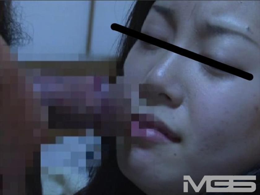 目の前で犯された母の代わりに性玩具にされた生娘 の画像9