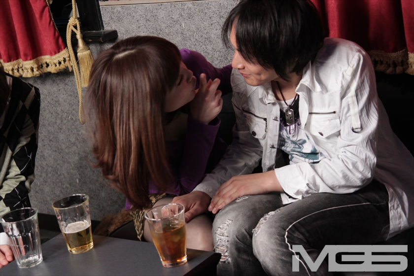 LoveLoveカップル制裁!素人カップルをスワッピング喫茶に放り込め! の画像5