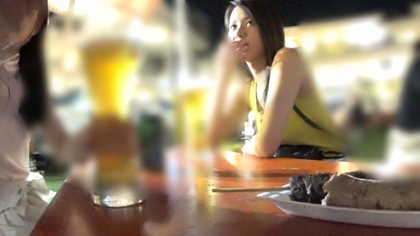 ビールフェスでエッチそうな美人をナンパ!後輩が寝てる間にセックスしようと思ったけど起きちゃって4人で乱交状態にwwスタイル抜群のセクシー美女は外見通りのエロさでした!!_pic0