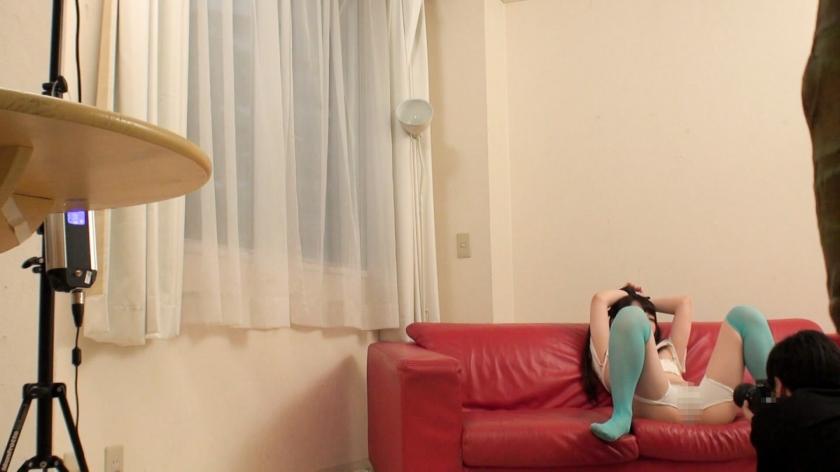 【個人撮影】ツインテールの童顔レイヤーを拘束調教☆ハメ撮りされて発情するどMな美少女に顔射ww_pic2