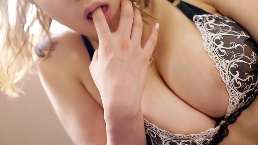 ラグジュTV 1095 脱がせてみれば一際目を惹くグラマラスボディ!妖艶なランジェリーをはだけさせれば、ピストンに合わせ豊満過ぎる巨乳が揺れまくる!-エロ画像-2枚目