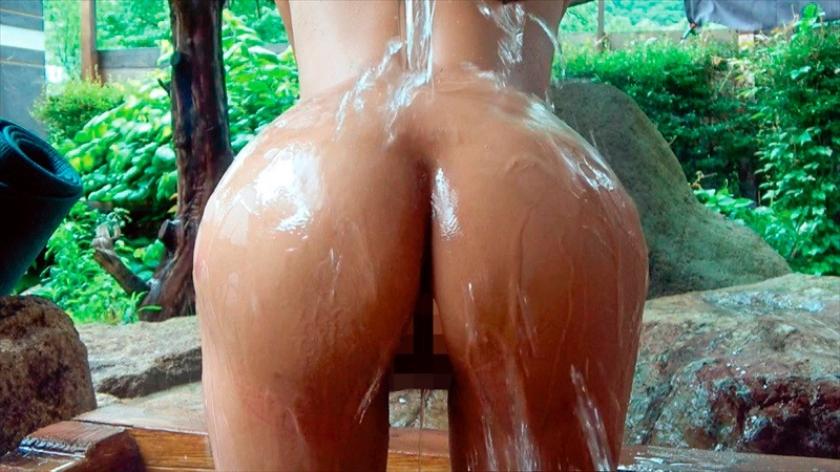 中出し露天温泉 デカクリ&デカ乳首をビンビンに勃起させすぐ絶頂するH大好きハーフ美人の早漏ヤリマンお姉さん 星優香のサンプル画像3