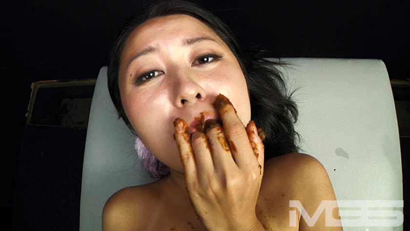 喉も膣も糞まみれ 脱糞食糞オナニーのサンプル画像12