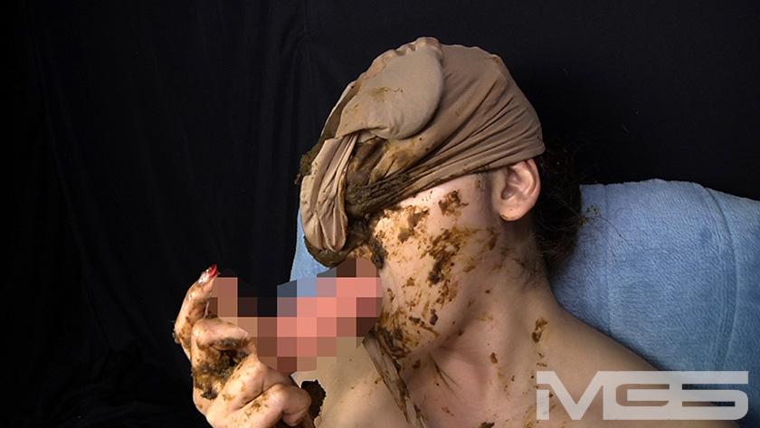 喉も膣も糞まみれ 脱糞食糞オナニーのサンプル画像13