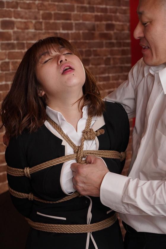 縛られた女捜査官 うららか麗のサンプル画像13