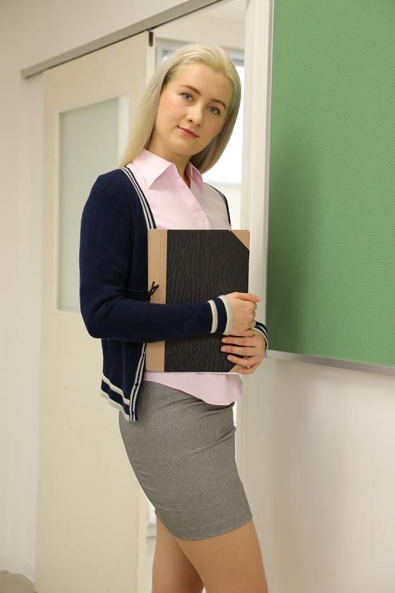暴行教室 狙われた外国人女教師 サーシャ0