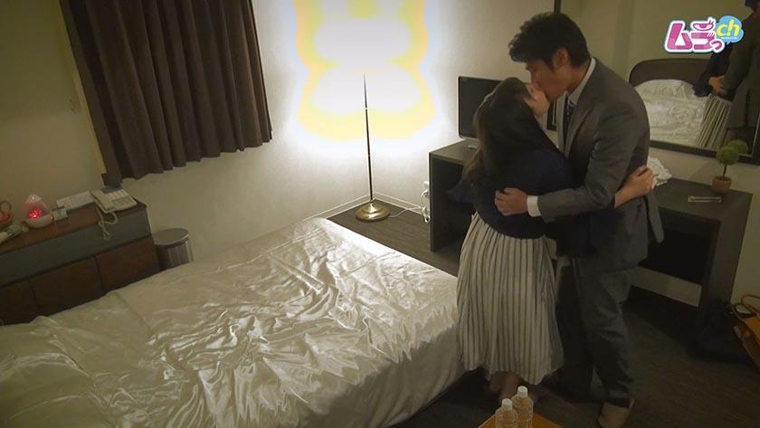 ホテル盗撮 元恋人同士の二人が、仕事を抜け出し/夫に隠れて昼間から貪りあうW不倫セックス0