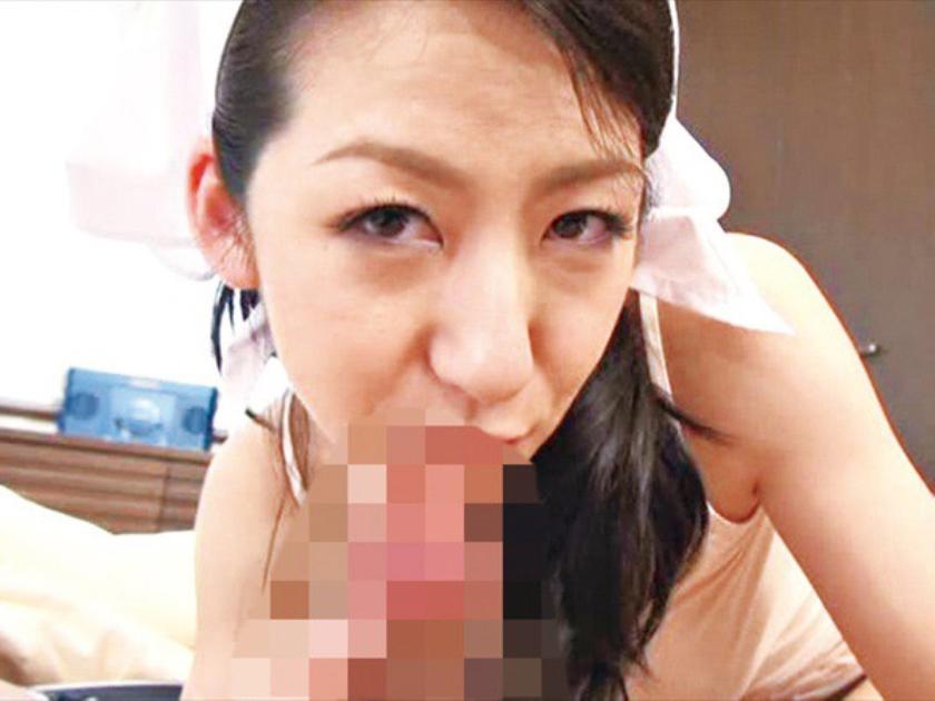 美熟女が人前で無防備にブラを外すとき マ○コはドロドロ濡れ濡れ 葉月奈穂 澤村レイコ 本庄瞳 の画像1