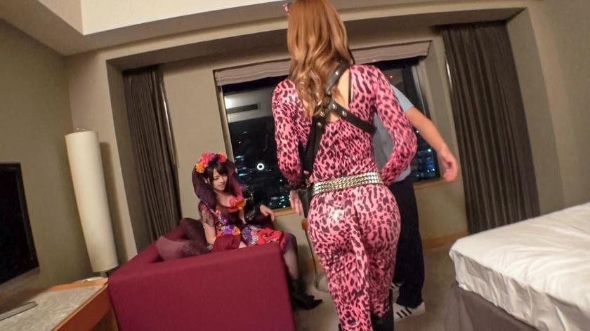渋谷ハロウィン当日!大騒ぎ!逮捕者続出のさなか、仮装ナンパ師突入!ピンク女豹の巨乳ギャル&小悪魔セクシーな美女2人組にワンチャン狙いでグイグイ声掛けー!暴徒と化したパリピたちを横目に、ホテルで4P乱痴気騒ぎ!!-エロ画像-4枚目