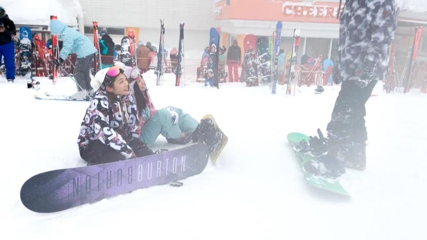 ゲレンデナンパ 02 吹雪の中で見つけたスノボ美女2人組!男も女もエロいトリックで魅せまくり乱れまくりな4P乱交SEX!!-エロ画像-1枚目