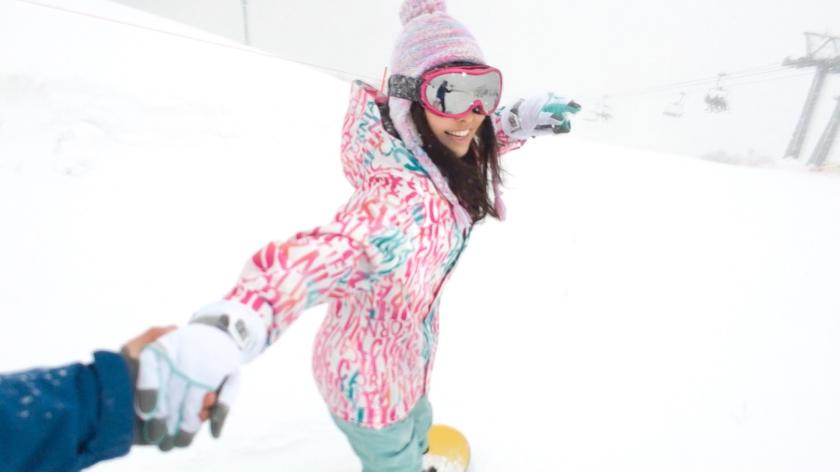 ゲレンデナンパ 02 吹雪の中で見つけたスノボ美女2人組!男も女もエロいトリックで魅せまくり乱れまくりな4P乱交SEX!!-エロ画像-2枚目