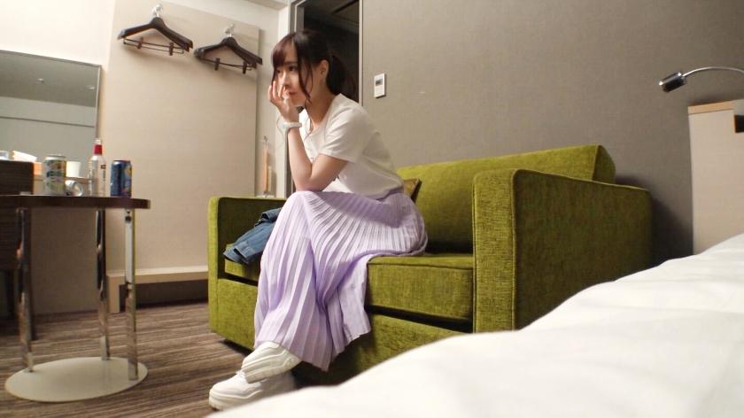 マジ軟派、初撮。 1331 新宿で見つけた華奢で可愛いルックスの大学生をナンパ♪真面目そうな印象の女の子であったが、話しているとなんかスケベそう♪今日も朝からセフレと一発ヤッてきたんだとかwww-エロ画像-1枚目