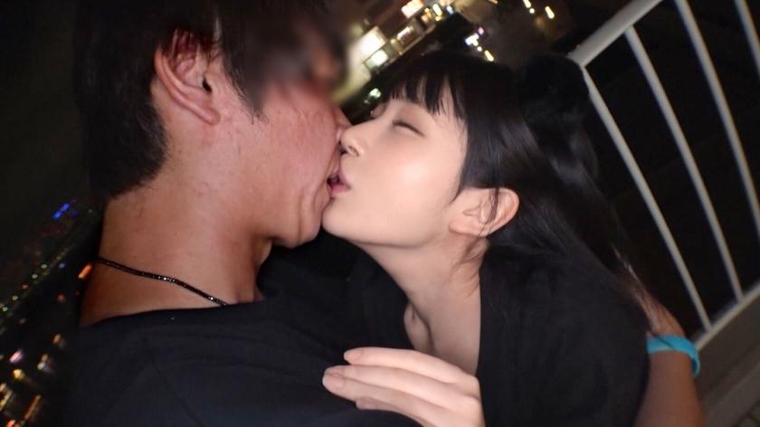 日本最大級のEDMフェスでナンパしたJD2人組!イベントサークル同士の交流と称しホテルに連れ込み酒を飲ませてフニャフニャにさせたら、秘密の4Pフェス開催♪-エロ画像-1枚目