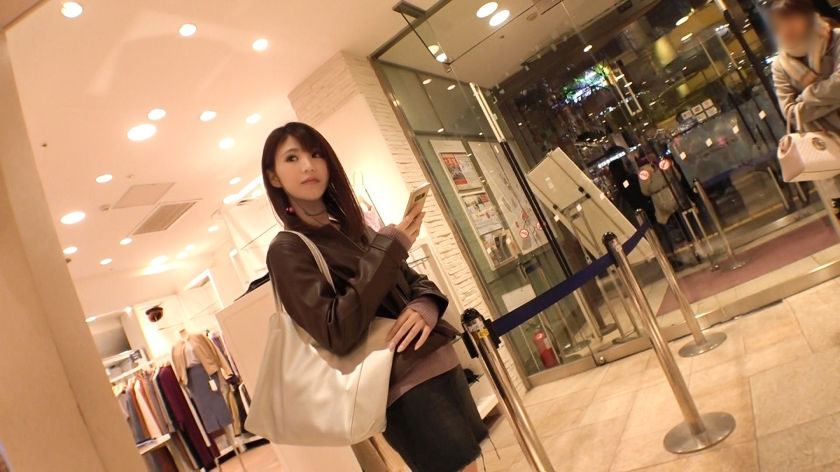 マジ軟派、初撮。 1430 地方でタレントやってるカワイ子ちゃんを渋谷でナンパ!超絶堅いガードにこちらはノーガード(全裸)で迫って半ば強引にセックス!-エロ画像-1枚目