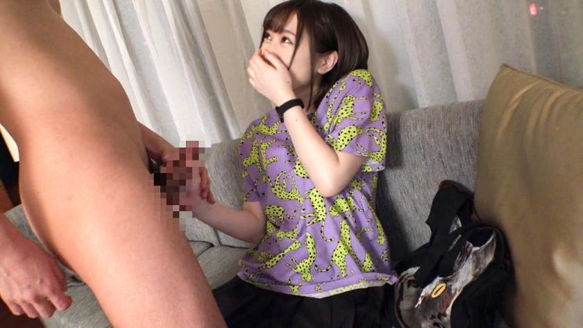 マジ軟派、初撮。 1493 『新宿駅で大量のコンドームをブチまけてみた!』という企画(のフリ)を決行!拾ってくれた優しい女の子をインタビューと称してホテルへ連れ込み!ゴムをつけて0.01mmのソーシャルディスタンス!小柄な体型由来の狭いオマ○コを堪能すると、可愛い喘ぎ声が部屋に響く!(200GANA-2302)