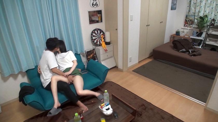 百戦錬磨のナンパ師のヤリ部屋で、連れ込みSEX隠し撮り 169 関西弁サバサバ美少女を家に連れ込み!スイッチが入ると声色が一変!敏感体質のせいで可愛く喘ぎまくる良反応連発!_pic1