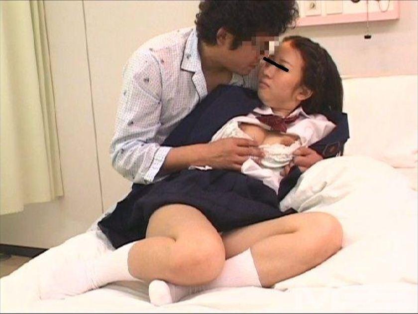 フェラだけして帰る欲求不満のお見舞い娘は入院中の彼氏の隣で犯されながらイキまくる の画像10