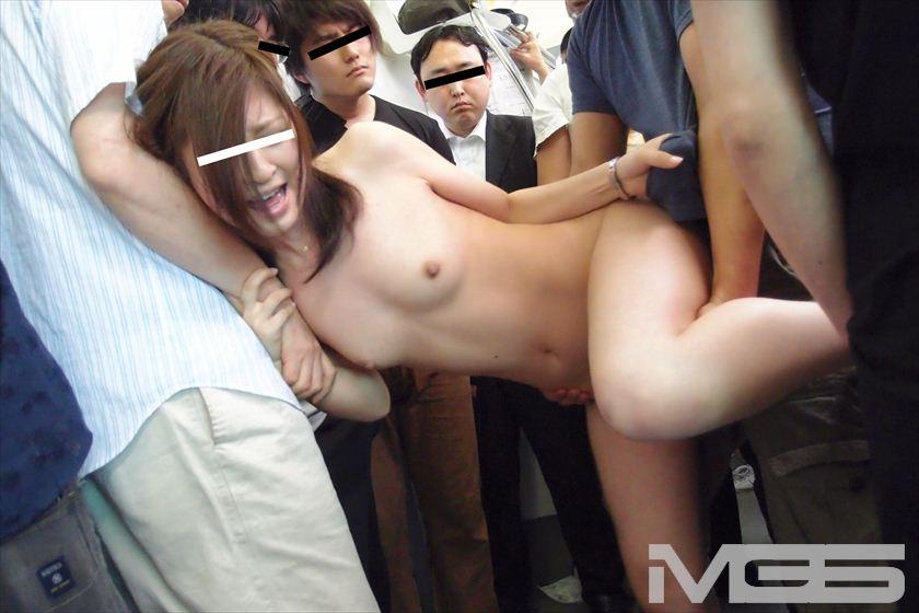 痴漢OK娘スペシャル 豪華版 絶対NGの超極上娘を連日痴漢でOKさせろ の画像1