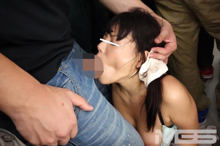 絶頂(((膝ガクガク)))痴漢 ローターとチ○ポの同時挿入で膣奥Gスポットを直撃され理性を失う女たち の画像5