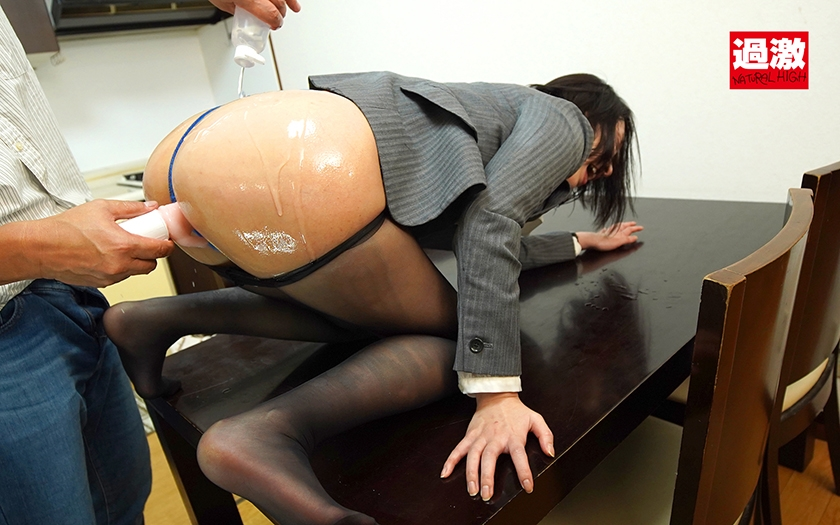 媚薬チ○ポを即ハメされ仕事中にもかかわらず絶頂が止まらないタイトスカート美尻OLのサンプル画像8
