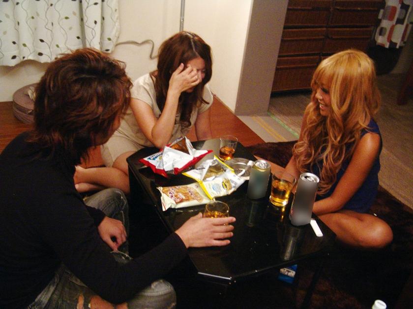 彼女が寝ている隙に女友達に誘惑されて・・・ 極エロ背徳SEX 佐々木恋海のサンプル画像6