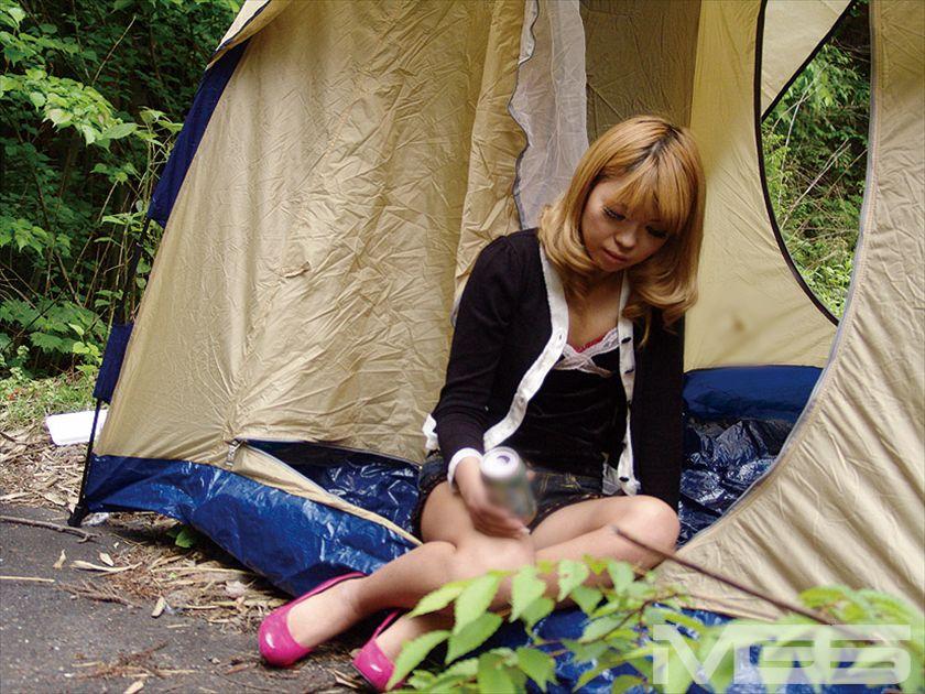 BBQ泥酔女をテントの中で・・・ の画像1