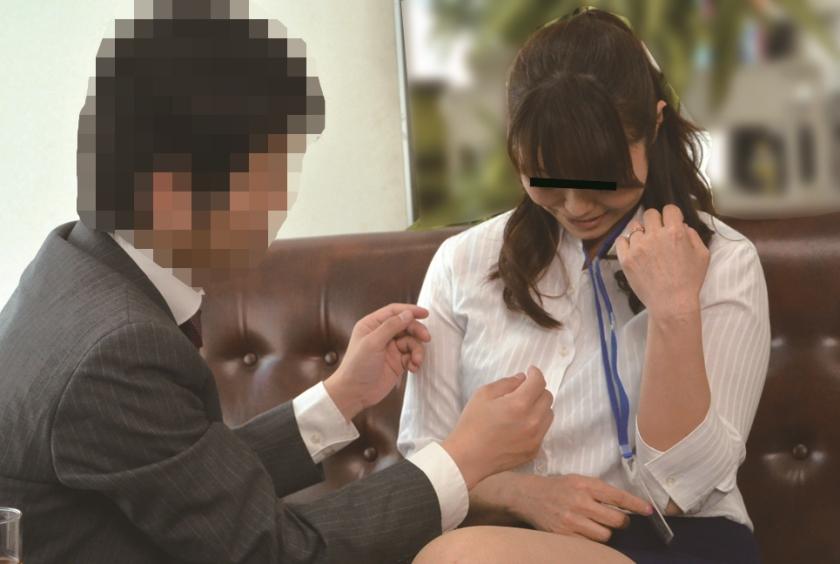 ニセ就職面接でセックスレスな妻を騙して他人棒を… S.A 42歳 芹沢あづさのサンプル画像13