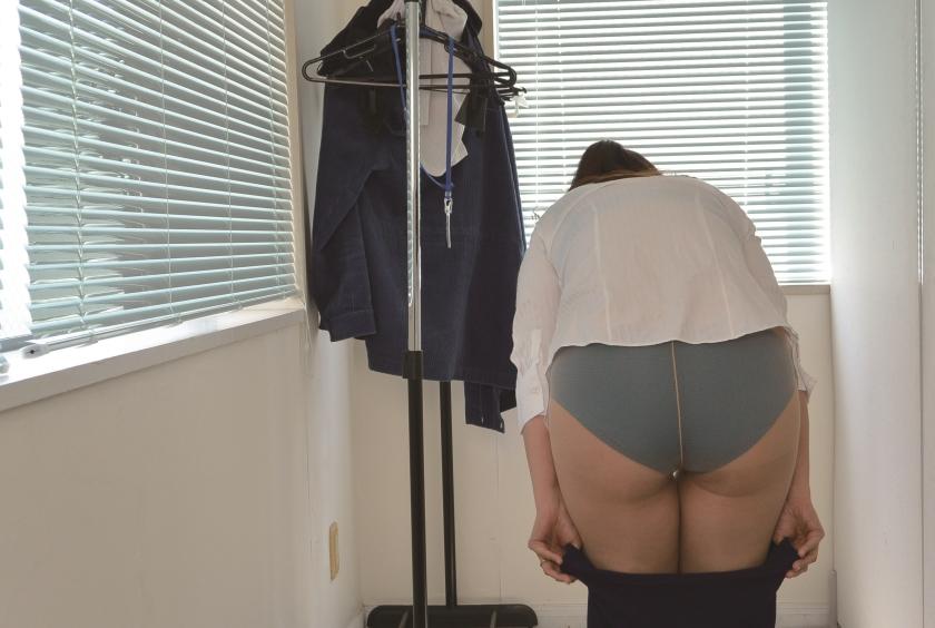 ニセ就職面接でセックスレスな妻を騙して他人棒を… S.A 42歳 芹沢あづさのサンプル画像8