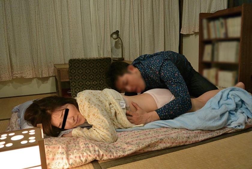 甥っ子の寝取り計画スペシャル版 パート2 前から気になる叔母に発情してしまい… 260分 八上寿々音 藤木静子 美月潤 の画像9