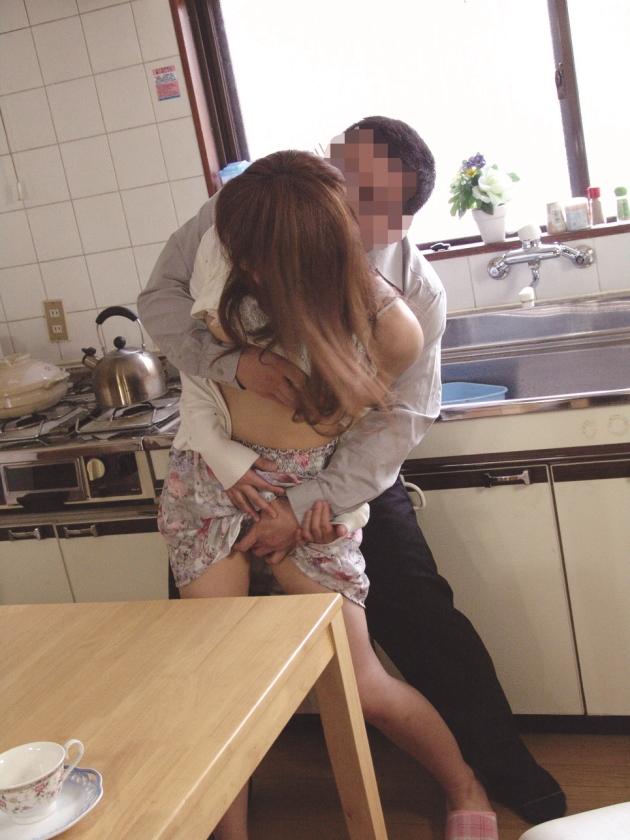 犯された乳デカな妻 中森玲子 相原りお 星咲七花 篠田あゆみ の画像4