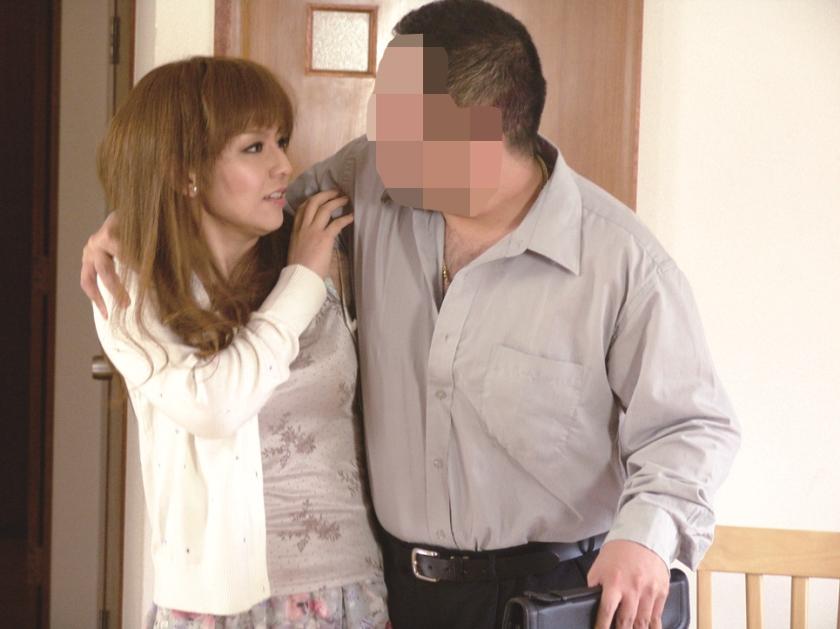 犯された乳デカな妻 中森玲子 相原りお 星咲七花 篠田あゆみ の画像5
