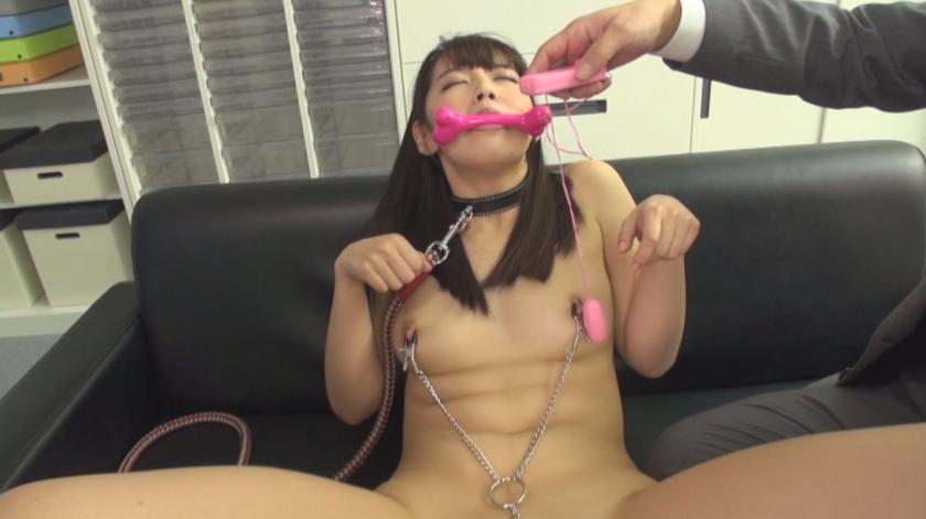 淫猥調教 私はあなたの奴隷です……。社内全裸とスパンキング・責められるほどに疼く肉体。美咲かんなのサンプル画像5