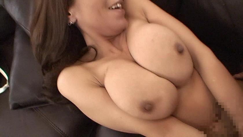 デカパイ熟女10人!乳房ブルンブルン鬼イキ爆ハメDX (3)