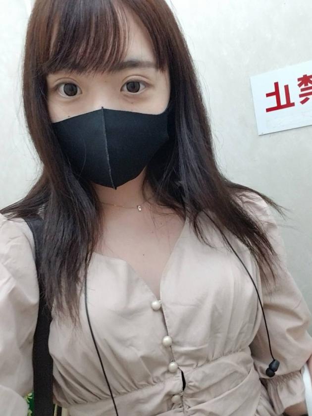 マスク着用を条件に撮影を了承してくれた普通の女子大生 めいちゃん 20歳1