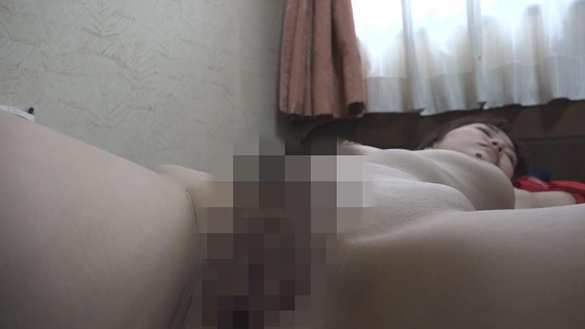 爆睡している女のおま●こをこっそりいじる9連発! (4)5